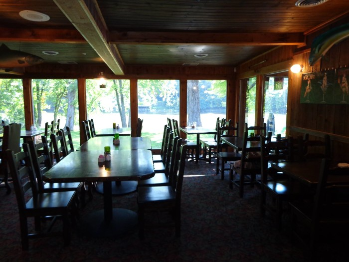 11. Riverside Pub and Restaurant - Monticello