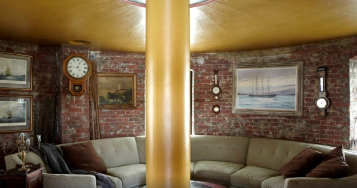 8. Quirky Lighthouse Stay, North Haven