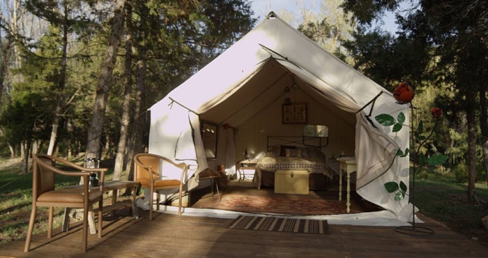 5. Glamping Tent, Helena area