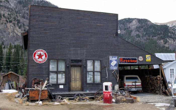 St._Elmo_ghost_town_gasoline_filling_station