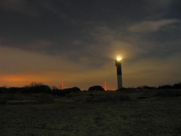 Sullivans-Island-Lighthouse-dusk
