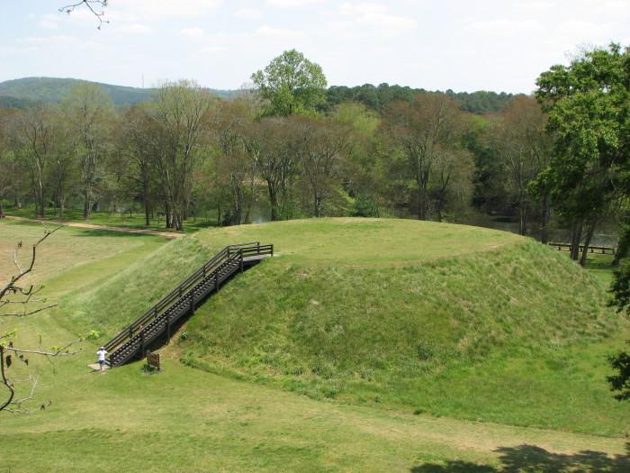 3. Etowah Mounds