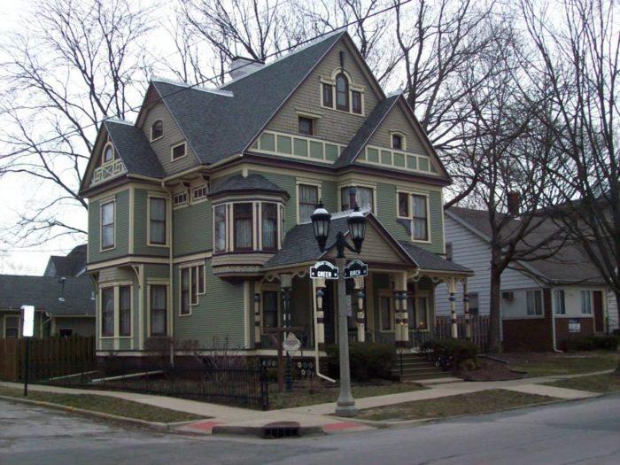 6. Sylvia's Irish Inn