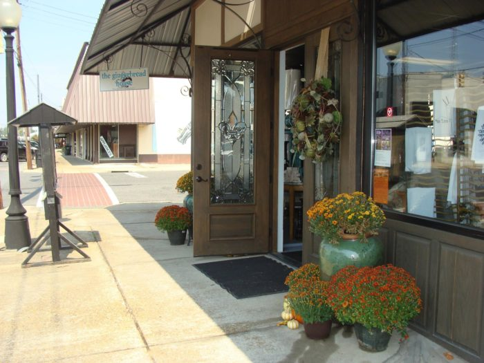 6. Go strolling down antique alley in West Monroe, Cost: Free