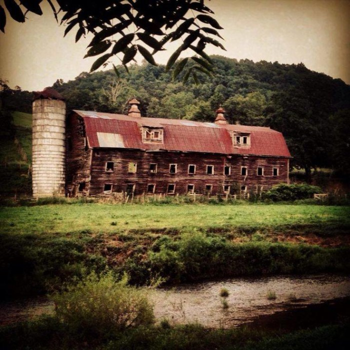 8. Old barn in Rosedale