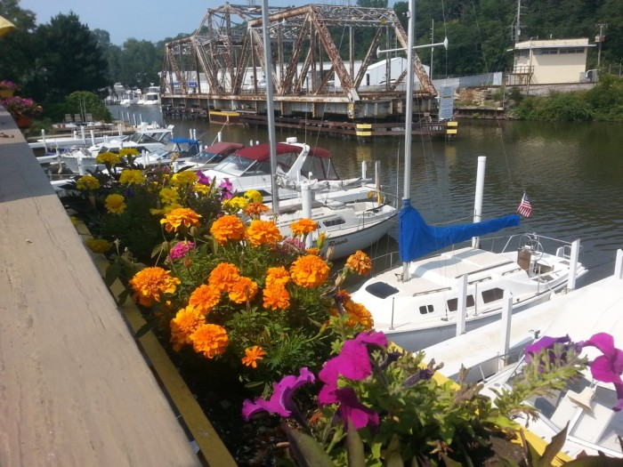 11 Incredible Waterfront Restaurants In Indiana