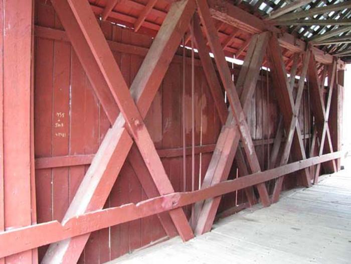 campbells-covered-bridge-howe-trusses-SCDAH