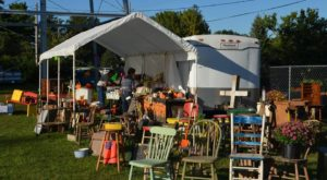 6 Must-Visit Flea Markets In Iowa Where You'll Find Awesome Stuff