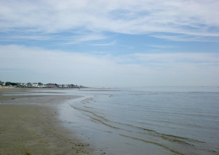 4. Harvey's Beach is a hidden gem in Old Saybrook, perfect for young children. The water is shallow for a long distance, making it a natural wading pool!