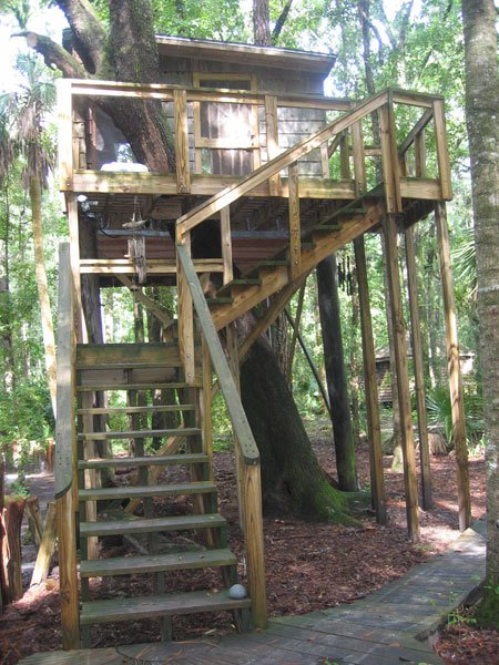 2. The Hostel in the Forest—3901 US Hwy 82Brunswick, GA 31523