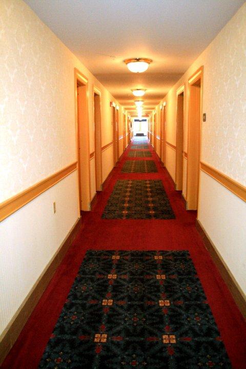hotel morgan hallway
