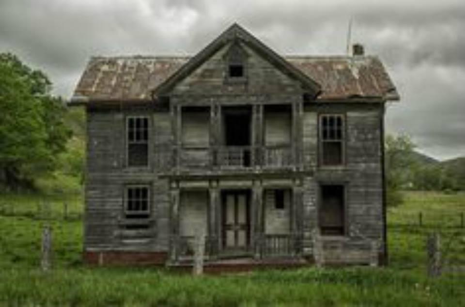 11 creepy houses in west virginia that look haunted for Rural housing utah