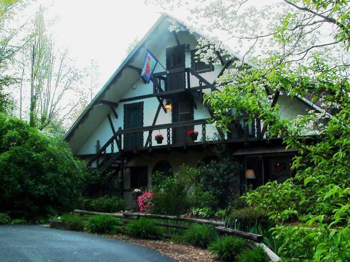 4. Lily Creek Lodge—2608 Auraria Rd Dahlonega, GA 30533
