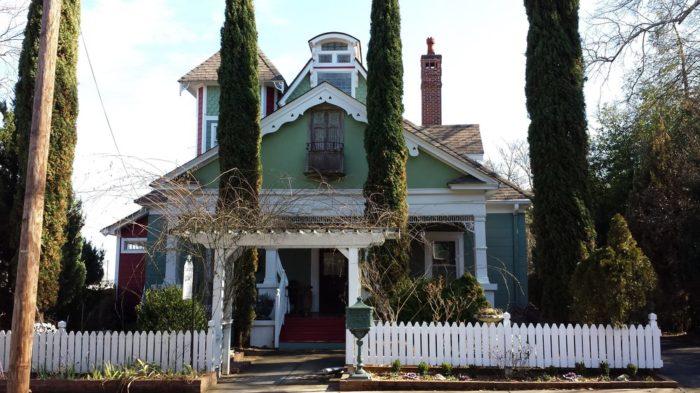 6. Maison Lavigne—3532 S Fulton Ave Hapeville, GA 30354
