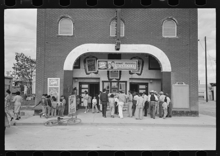 6. Old-fashioned movie theaters that were the Friday night hangout spot of choice for teenagers.