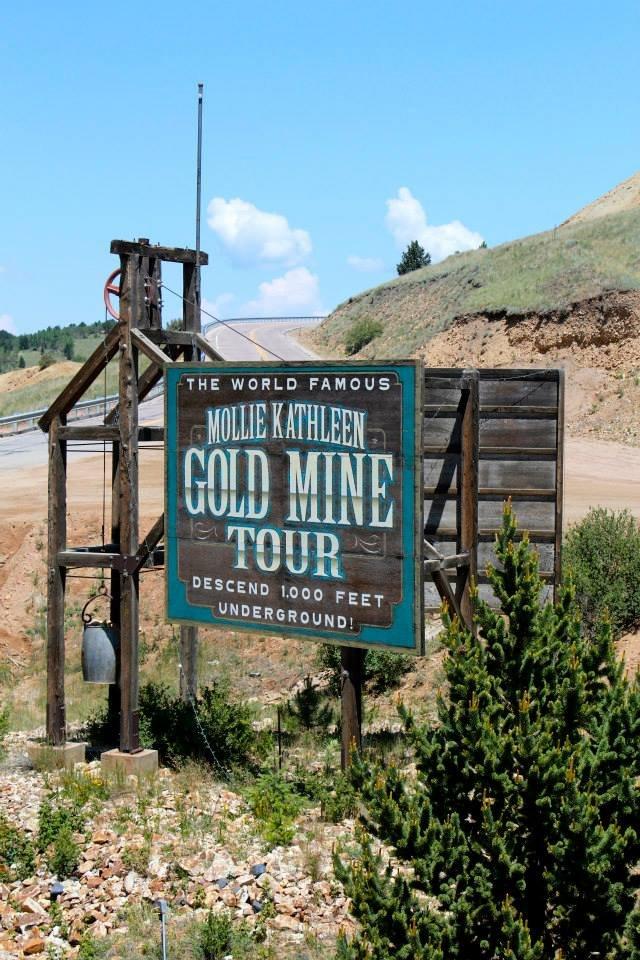 Alright, brave explorers; it's time for the pièce de résistance of the trip; descending 1,000 feet below ground to explore the famous Mollie Kathleen Gold Mine.