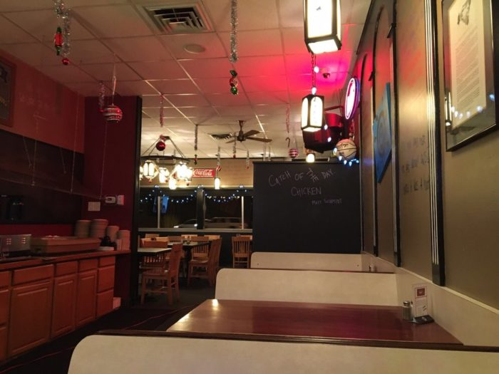 10. Sneaky's Chicken, Sioux City