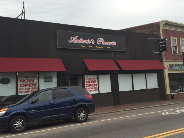 8. Antonio's Pizza, Amherst