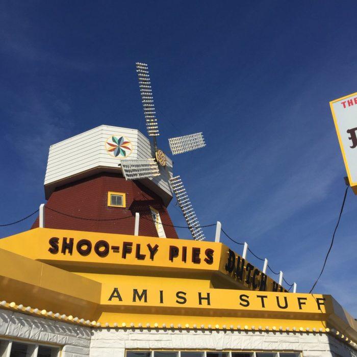 4. Dutch Haven Shoo-Fly Pie Bakery