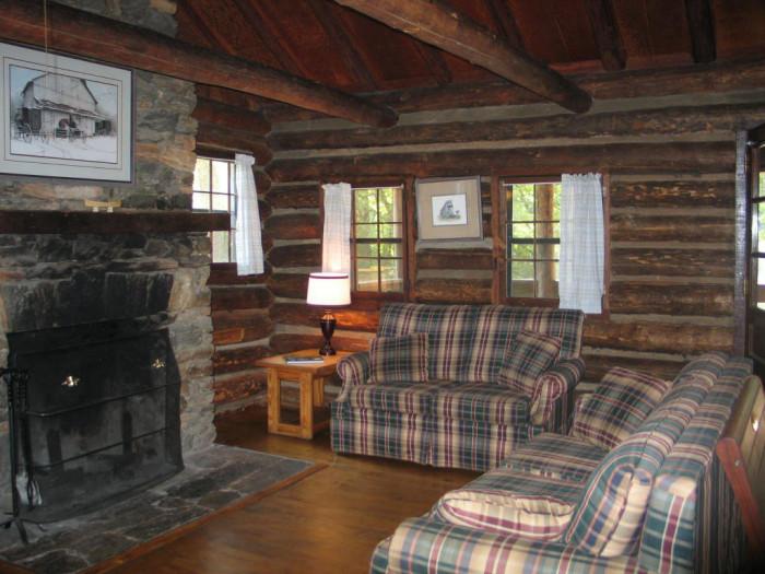 oconee-state-park-cabin-int