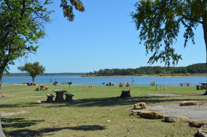10 best places to go in oklahoma for a picnic for Lake hefner fishing