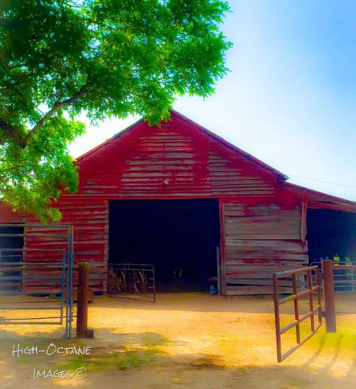 5. Amazing red barn on the beautiful Louisiana countryside
