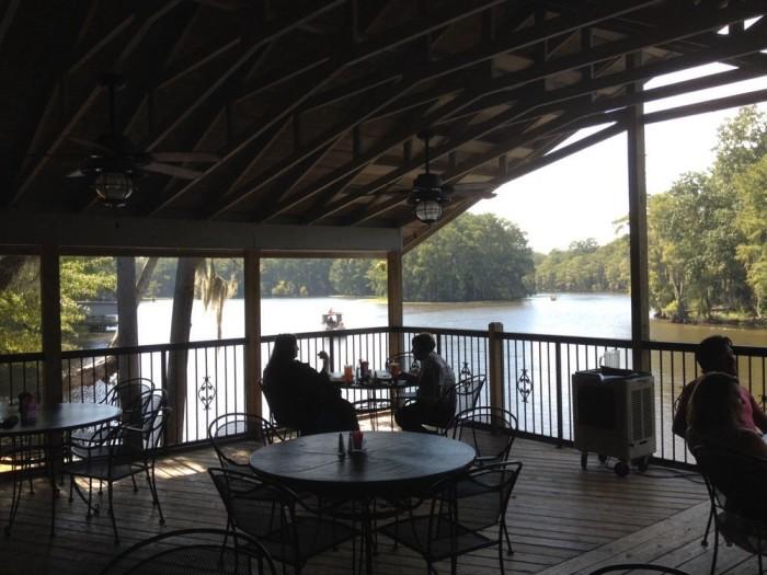 8. RiverBend Restaurant (Karnack)