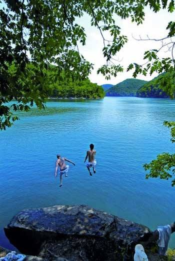 10 Of The Best Recreational Lakes In West Virginia
