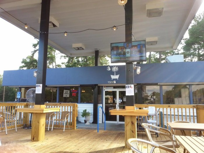 15. Tubbs Fish & Shrimp Co in Florence (1500 2nd Loop Rd)