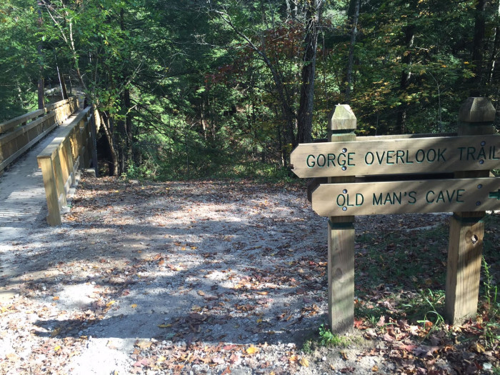 5. Old Man's Cave Loop and Ash Cave Trails (Hocking Hills State Park)