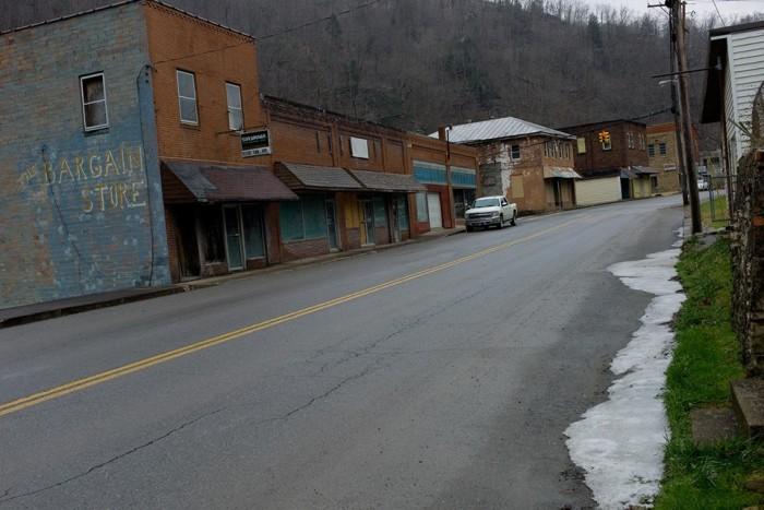 13. Whitesville, Population 514
