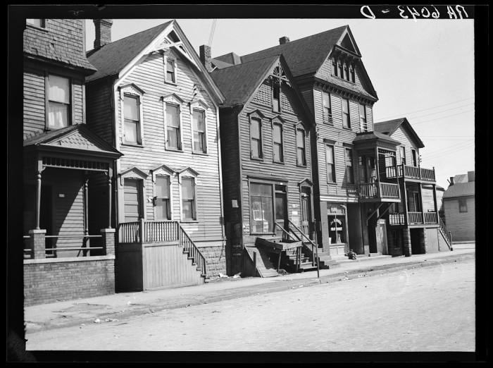 4. This is a group of houses in 600 block on East Detroit Street, Milwaukee in 1936.