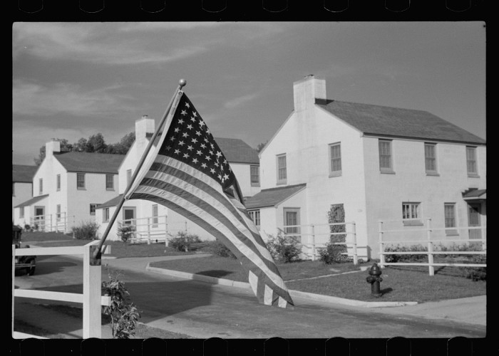 10. And this is a home ready to celebrate Labor Day in Greendale in 1939.