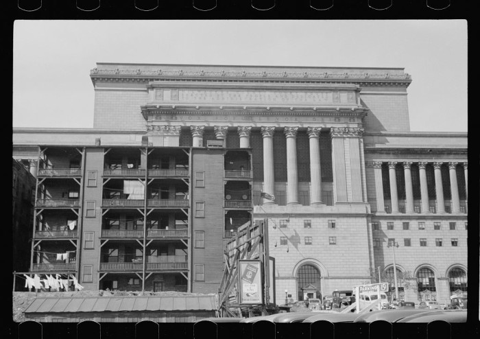 13. This is the Milwaukee courthouse as it sat in 1939.