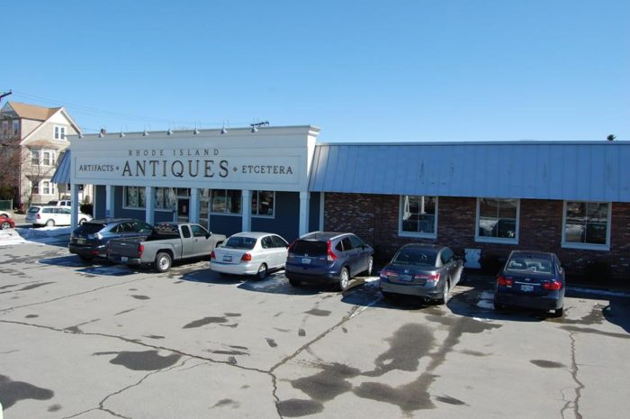 1. Rhode Island Antiques Mall, Pawtucket