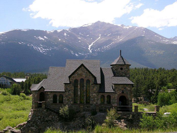 1024px-Colorado_Rocky_Mtn_Church