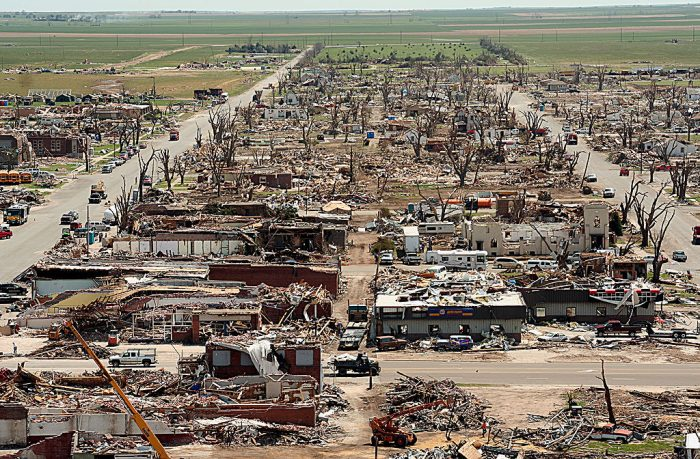 One of the more recent Kansas tornadoes was also one that broke records; the EF5 tornado that struck the town of Greensburg in 2007 at one point spanned a terrifying 3,872 yards.