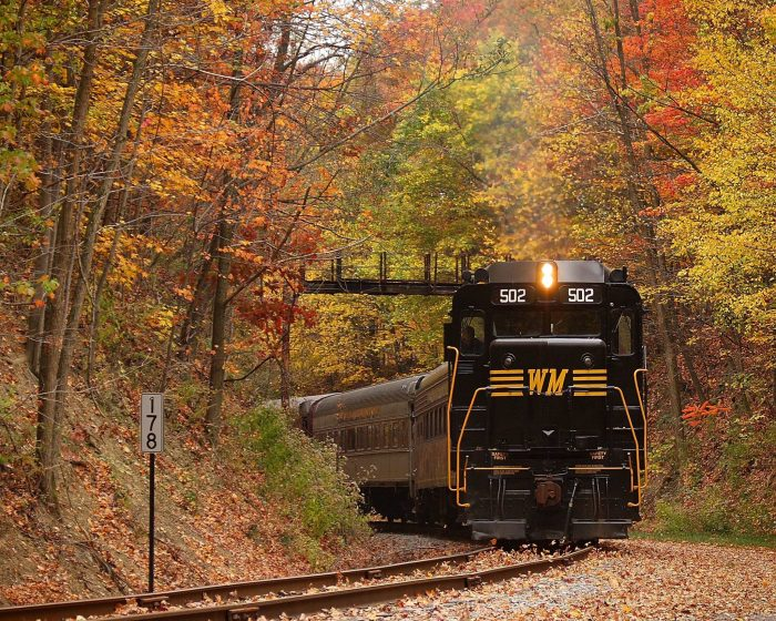 The busiest month for the trip is during October because it's peak season for viewing gorgeous foliage. Book early if you want to snag a seat during this time.