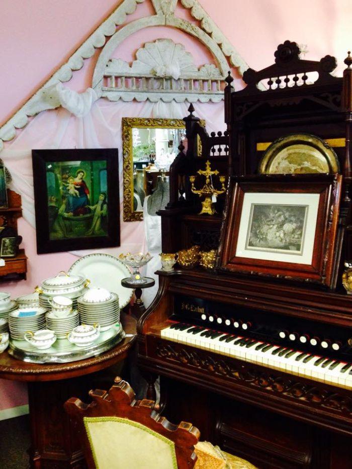 5. Montana Camp Antiques & Boutiques, Belgrade