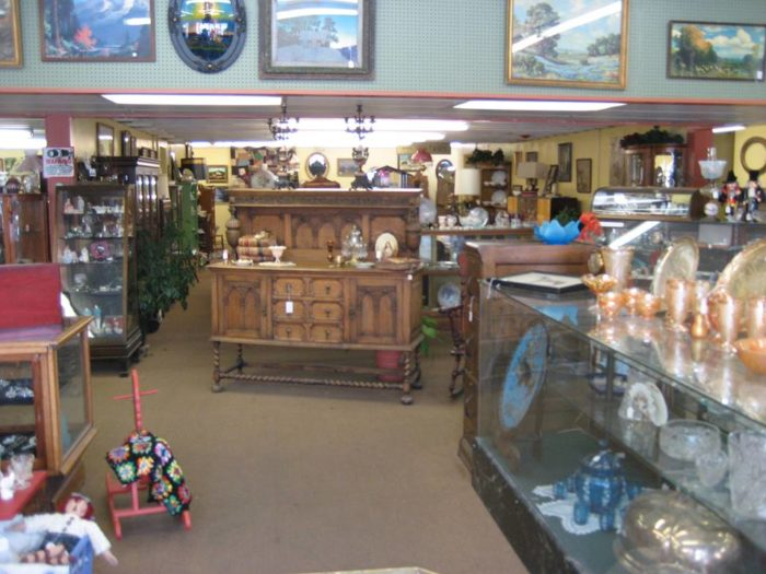 10 Places To Find Antiques In Montana