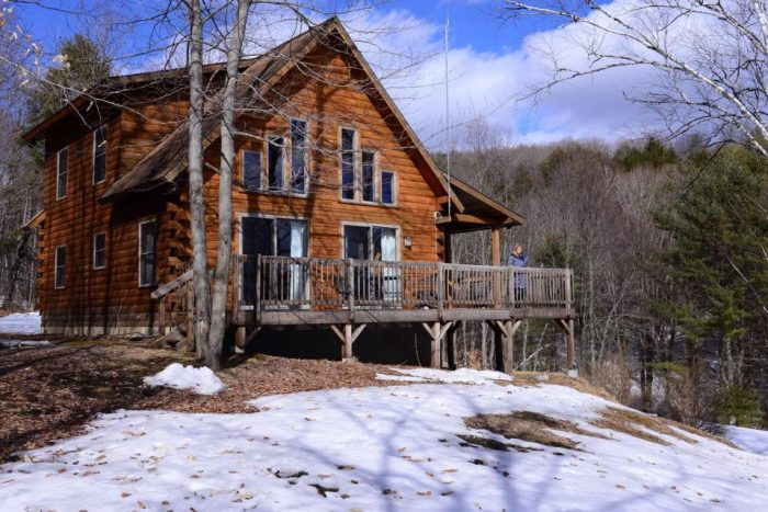 4.  Four Seasons Log Cabin Vacation, East Burke
