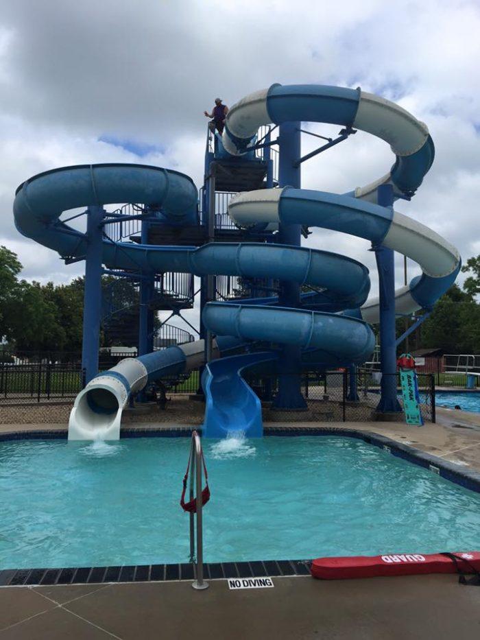 10 Epic Waterparks In Arkansas