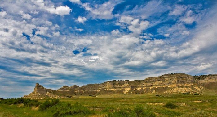 11. Scotts Bluff Monument looks otherworldly in this beautiful picture.