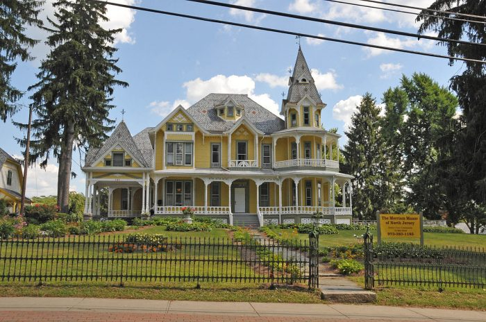 1200px-HENRY_W._MERRIAM_HOUSE,_SUSSEX_COUNTY