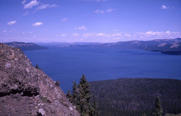 4. Yellowstone Lake