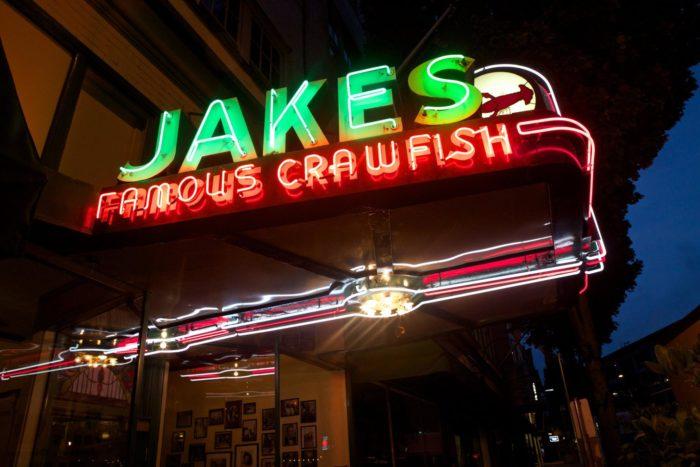 10 Amazing Historic Restaurants In Oregon