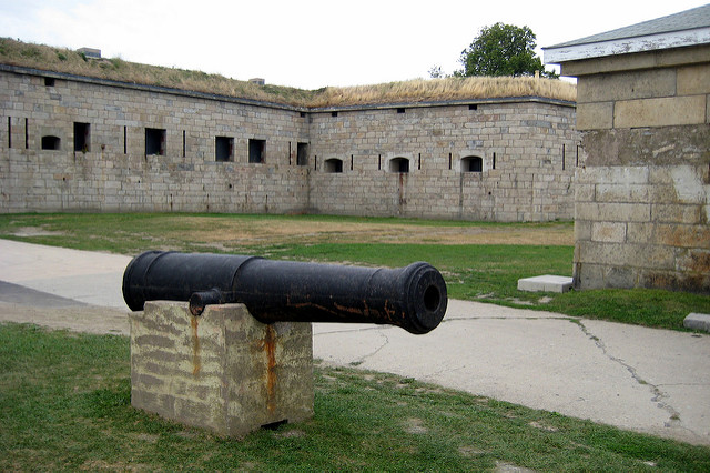 6. While we mostly recommend avoiding Aquidneck Island, especially in the summer, Fort Adams is an ideal location.
