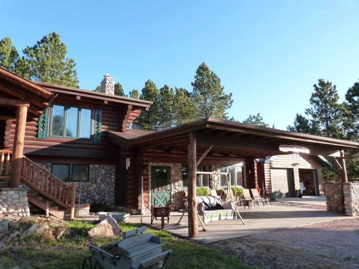 7. Dakota Dream Bed and Breakfast & Horse Hotel in Custer