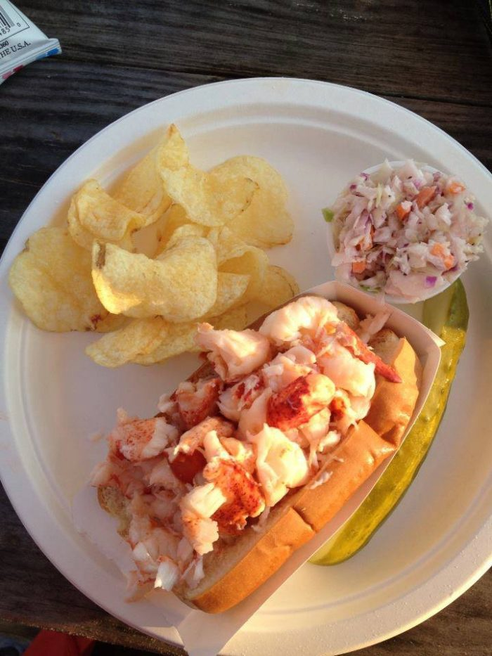 11 Restaurants With The Best Lobster Rolls In Maine