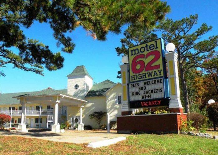 1. Motel 62 (Eureka Springs)